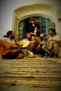 """קבלת שבת מוזיקלית / """"כיכר המהפכה"""""""